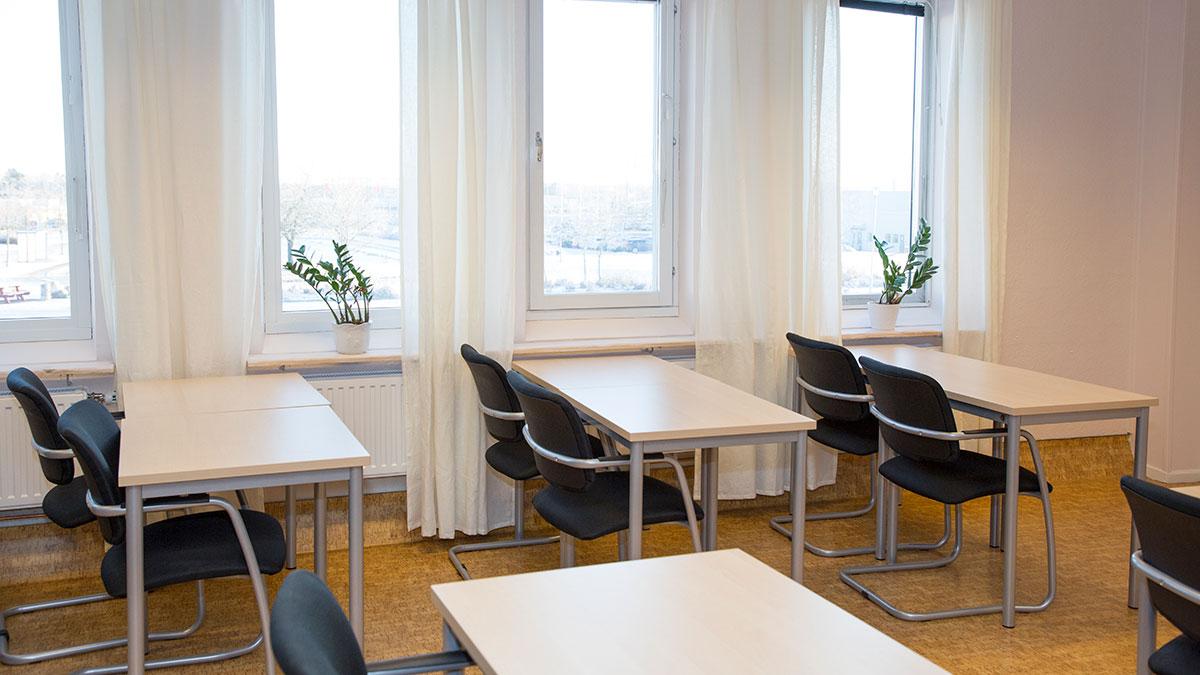 Anpassat klassrum med mindre buller och andra störande moment. På Kungsängsgymnasiet får du studiero.